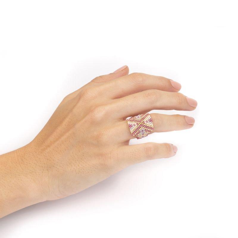 anillo miyuki lila uso Tomasa