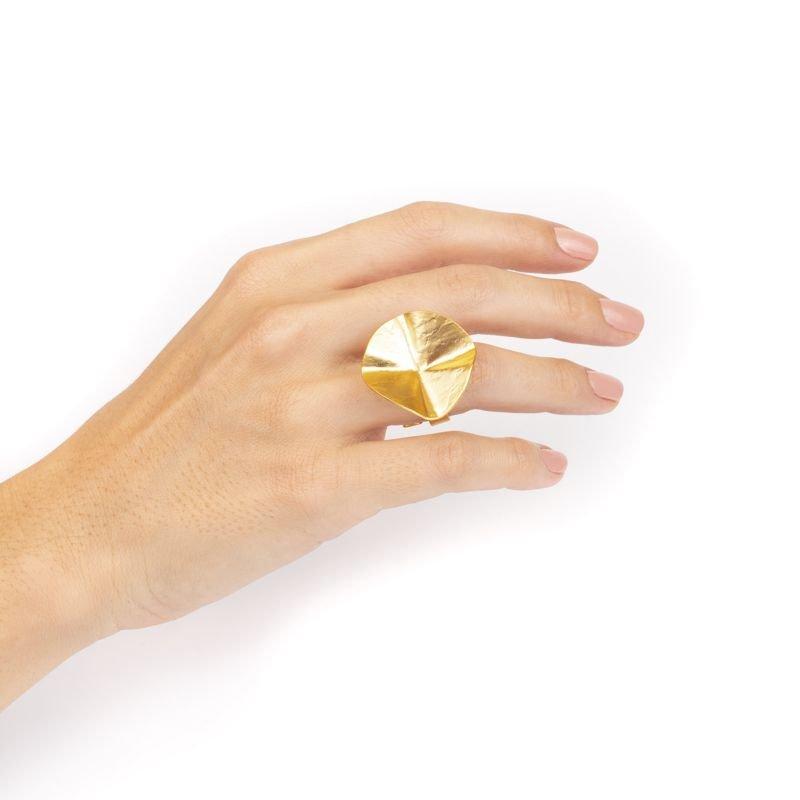anillo hecho a mano Sahara uso Tomasa