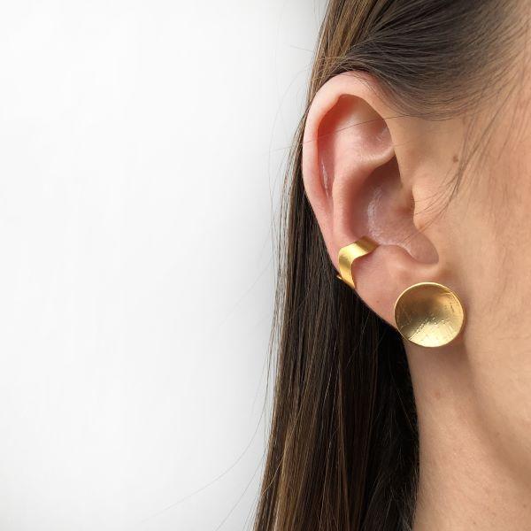 Ear cuff ola modelo